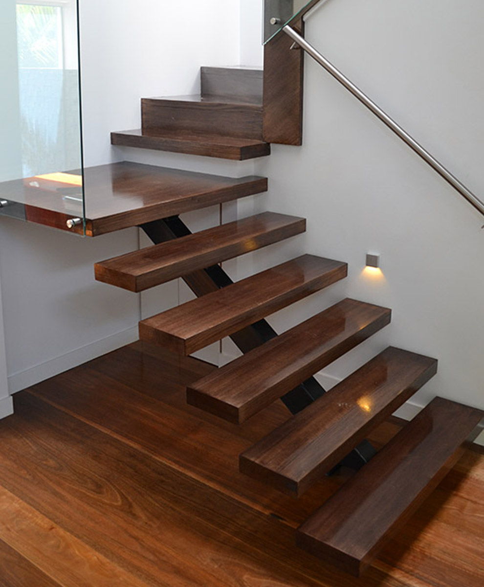 Open and cut stairs closed and concealed stairs for Gradas internas