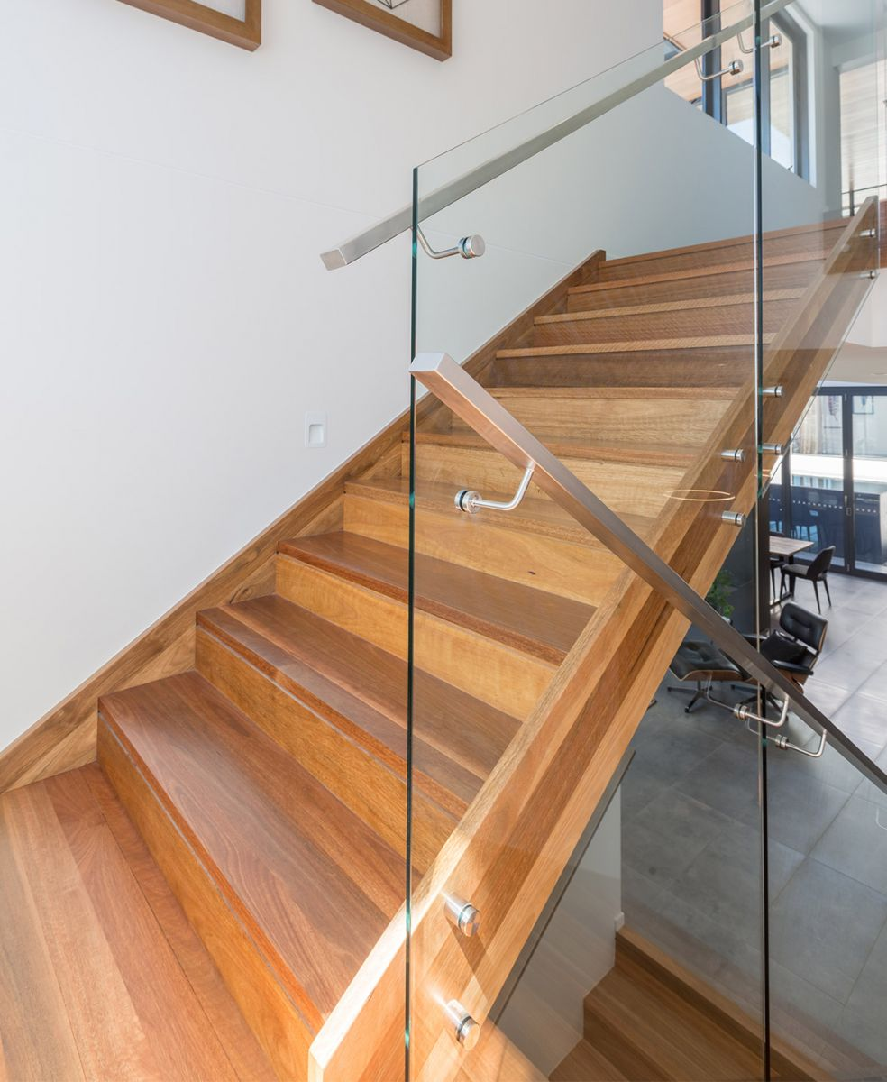 closed stairs design