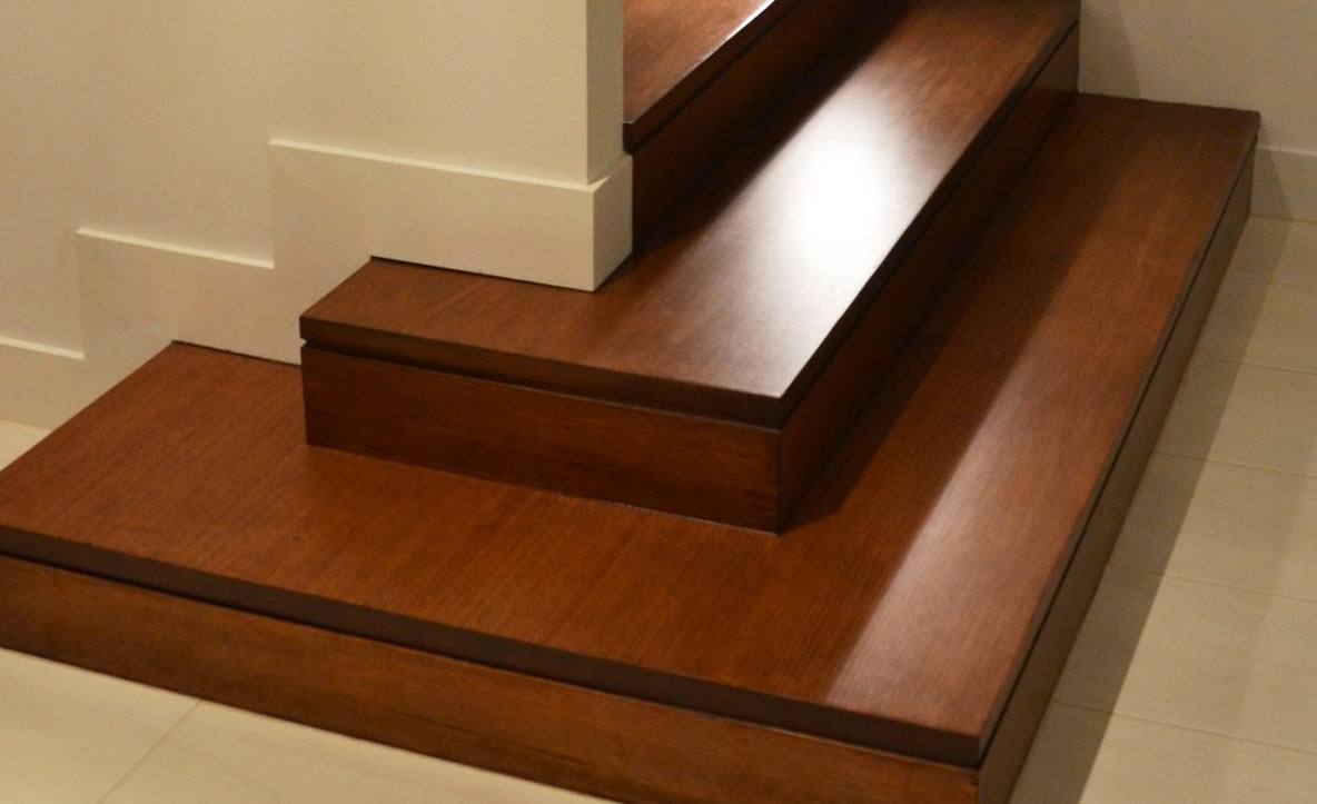 This Staircase Features A Concealed Stringer MDF Staircase With The Bottom  Three Steps In KDHW.