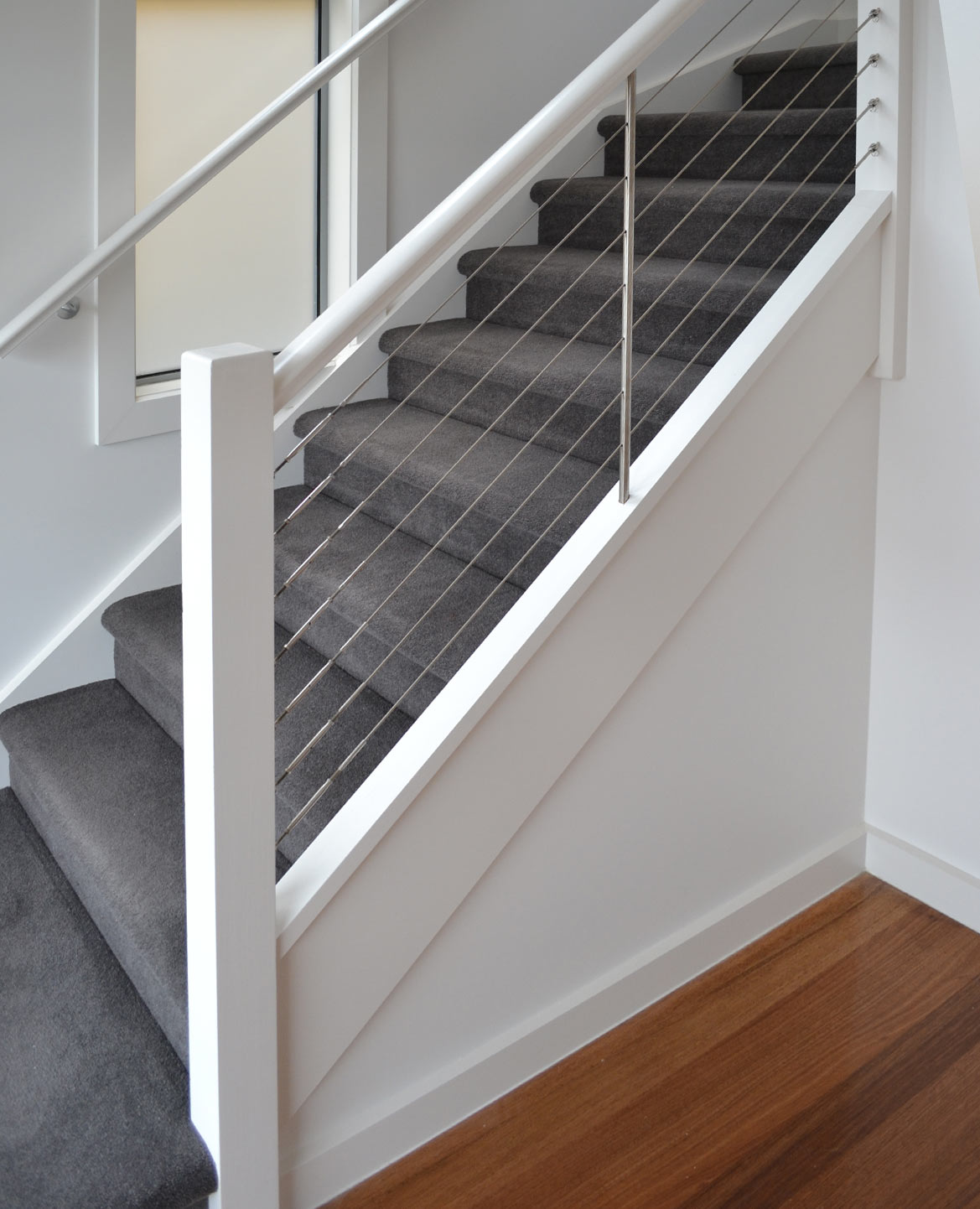 High Quality This Staircase Features An MDF Staircase With Pine Posts, Handrail And Wire  Balustrading.