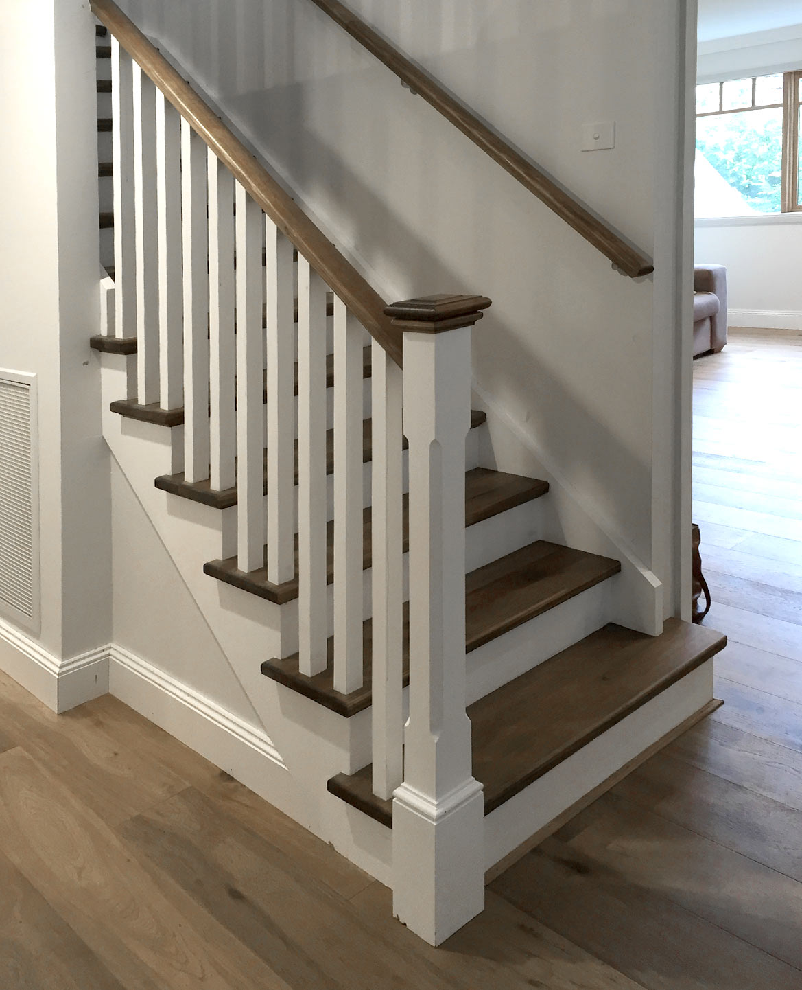 This Staircase Features A Cut Stringer In MDF With KDHW Treads, Handrail  And Feature Caps. The Posts And Balusters Have Been Completed In Pine.
